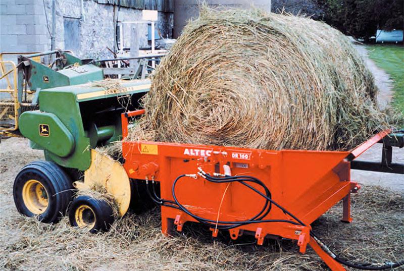 The St  George Company Hay Unwinder / Spreader
